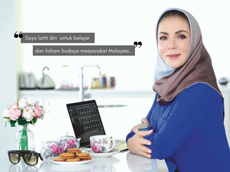 Raih Pengalaman Daripada Pengusaha Tudung di Terengganu, Arzu Daud Kini Mendaki Puncak Kerjaya Sebagai Pengasas Hijab Premium di Malaysia!