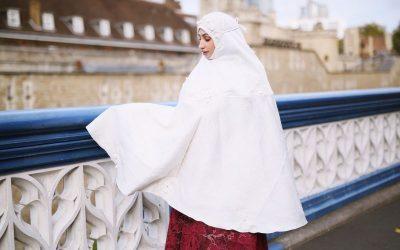 Telekung Malaysia Mencipta Nama Di Britain. Memenuhi Keperluan Solat Wanita Muslim Di Sana